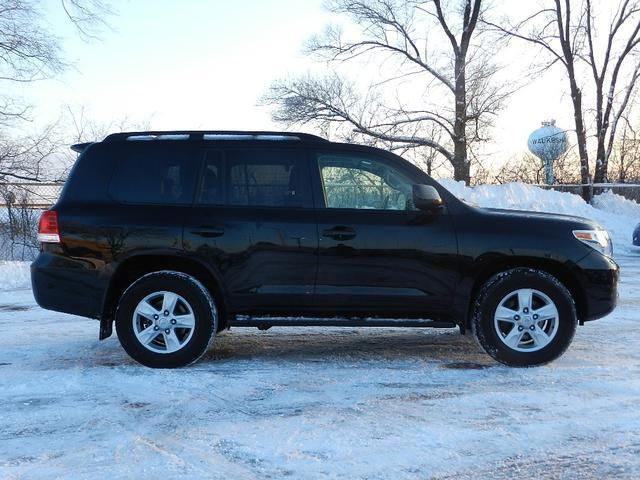 I want to sell 2011 Toyota Land Cruiser